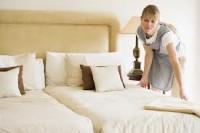 Francja praca dla pokojówki przy sprzątaniu w sezonie zimowym 2014
